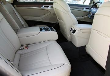 Genesis с водителем